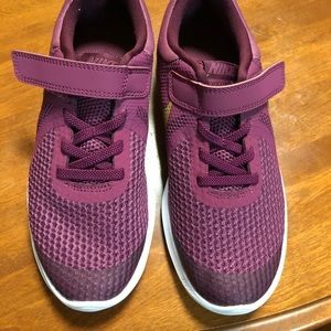 Nike sneakers. Brand new. No tags